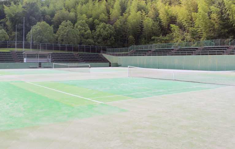 第一庭球場部分修繕のお知らせ